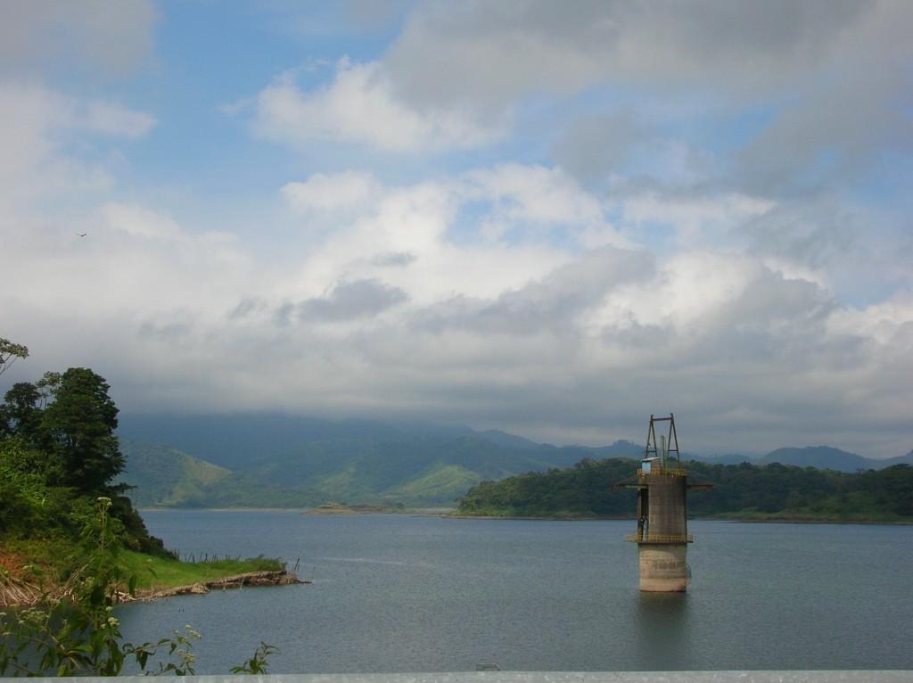 Lac_Arenal_Costa_Rica_Barrage